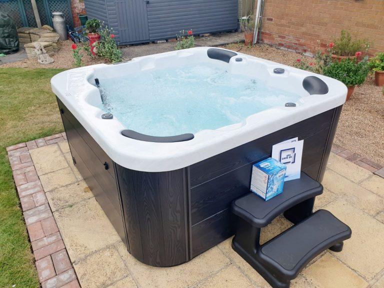 13 amp hot tub, plug and play hot tub, hot tub scarborough, hot tub york, hot tub whitby, seasidehottubs, cheap hot tub, affordable hot tub