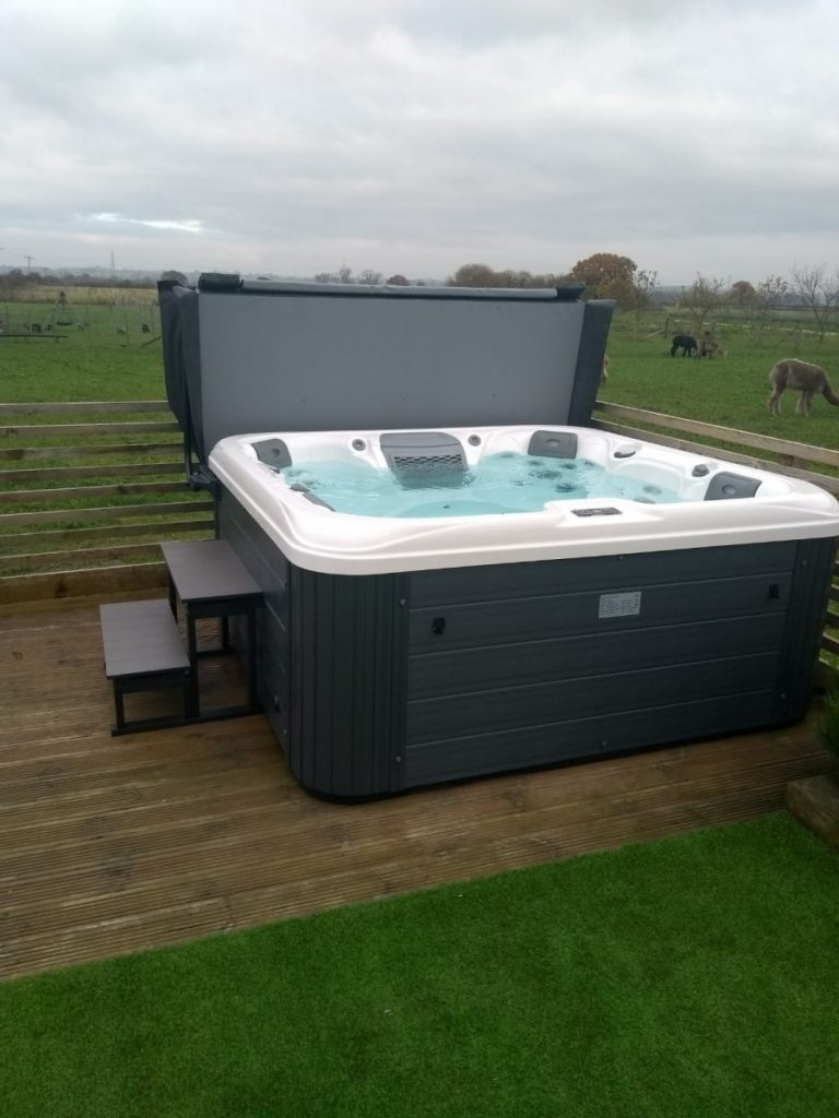 high quality hot tubs uk