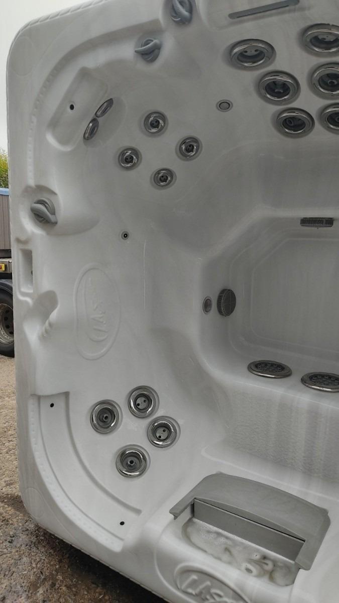 LA Spas Hot Tub - ref UHT106