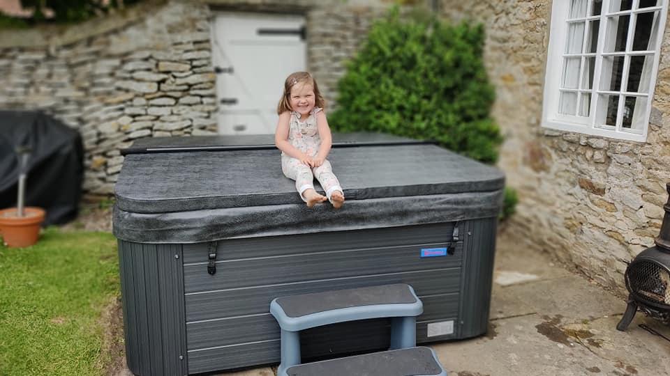 we-had-a-little-helper-this-morning-as-we-installed-a-vegas-tub-into-a-holiday-cottage-just-outside-scarborough-have-a-holiday-let-and-wondering-abo