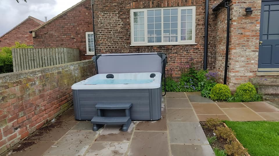 we-installed-2-brand-new-tubs-into-a-luxury-holiday-cottage-complex-today-near-york-the-guests-will-enjoy-these-fabulous-tubs-this-week-own-a-holid