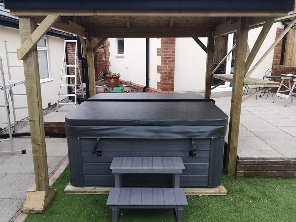 We installed the fabulous Norfolk 2 spa for Christine and
