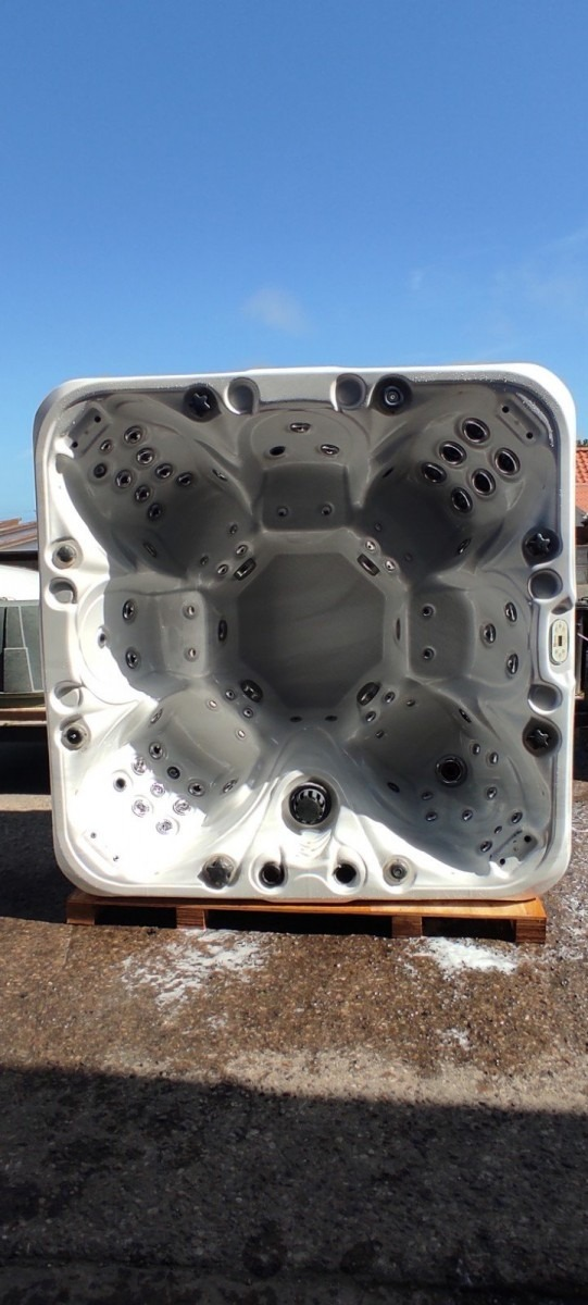 Passion Spa - 7 Seater ***Deposit Taken***