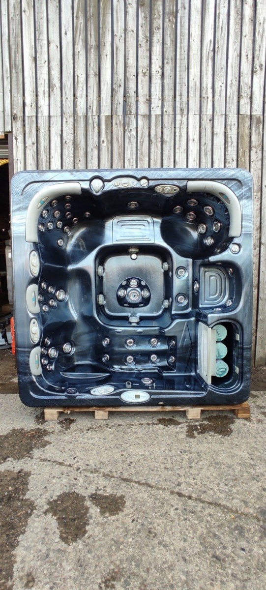 Artesian Spa Lounger Plus 5 Seats